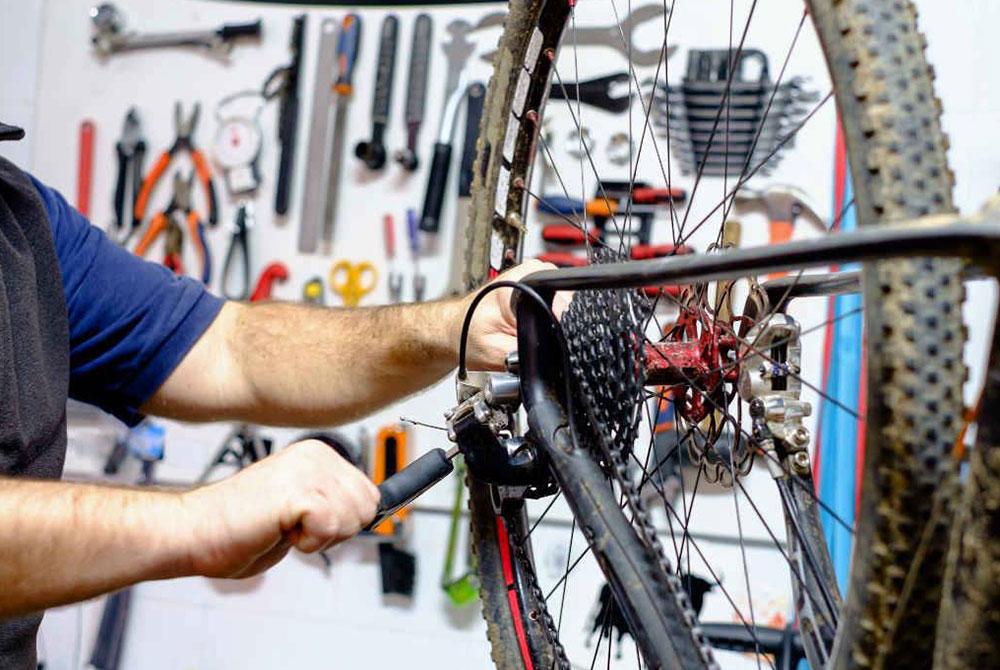 Curso de mecánica básica en Biking Point Tarragona